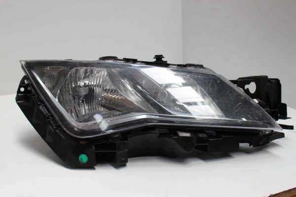Faro delantero derecho SEAT Leon III Hatchback (5F, 5F1) (09.2012 - ...) 1