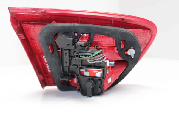 Piloto trasero derecho SEAT Ibiza IV ST (6J, 6P) (03.2010 - ...) 2