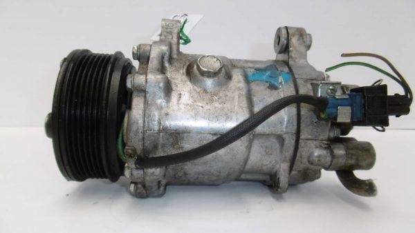 Compresor de aire acondicionado VOLKSWAGEN Golf V Hatchback (1K) (10.2003 - 02.2009) 1