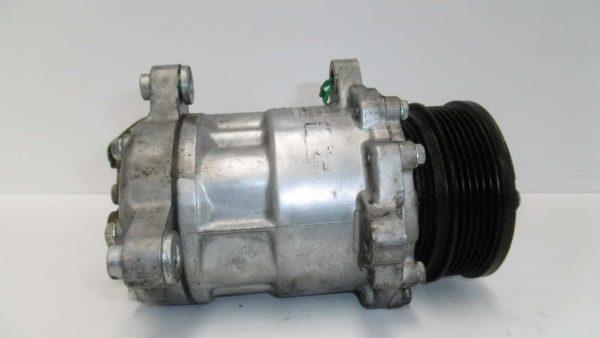 Compresor de aire acondicionado VOLKSWAGEN Golf V Hatchback (1K) (10.2003 - 02.2009) 2