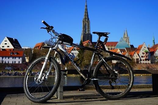 Cómo llevar la bici de forma segura en el coche 1