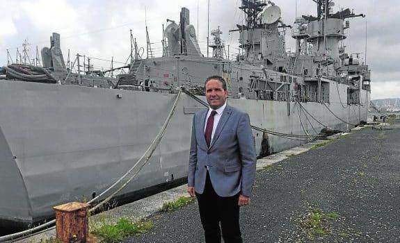 Noticias de Prensa: Desguace París se hace con su propia Armada 1