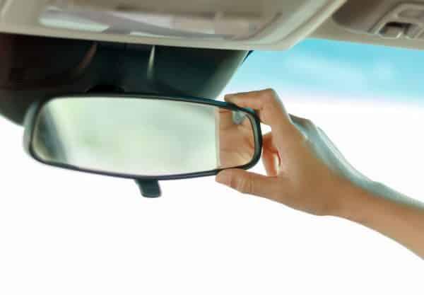 La importancia de los espejos retrovisores 5