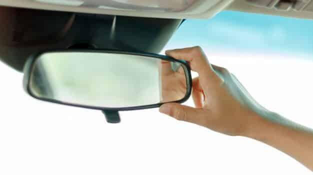 La importancia de los espejos retrovisores 1