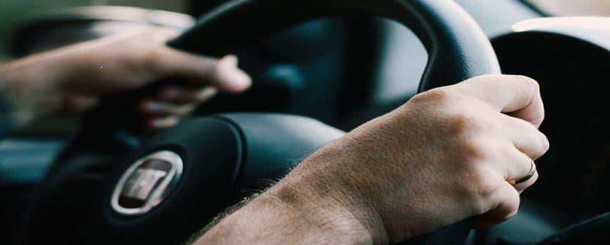 Averías en la Dirección: ¿Mover el volante requiere más fuerza de lo normal? 1