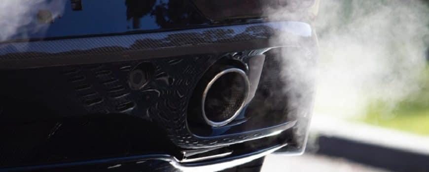 ¿Por qué mi coche echa humo blanco? 1