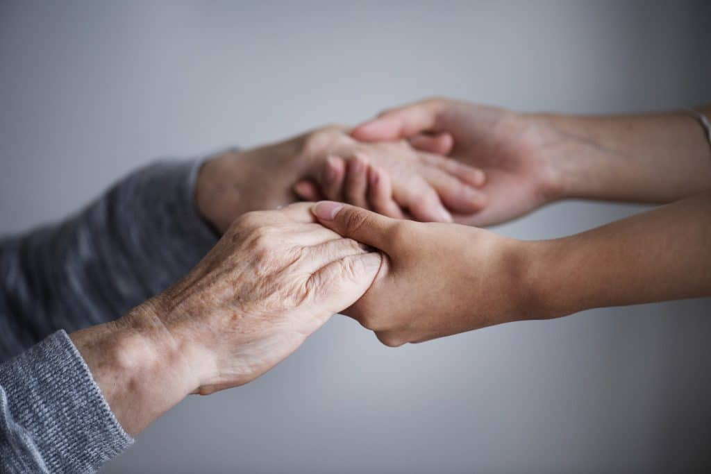 ayudar personas dependientes cuarentena